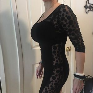 Dresses & Skirts - Sexy stretchy 1/4 sleeve black mini.